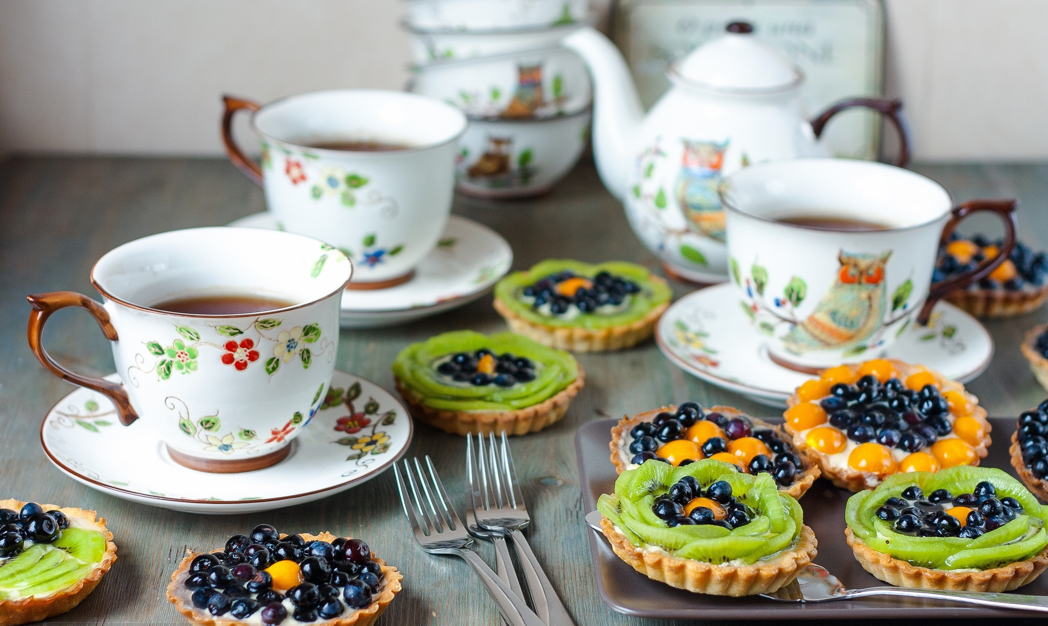 tart-cup-tea-fruit-dessert